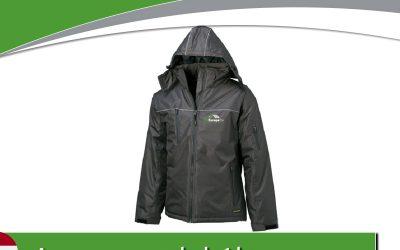 Gratuit un beau manteau d'hiver imperméable